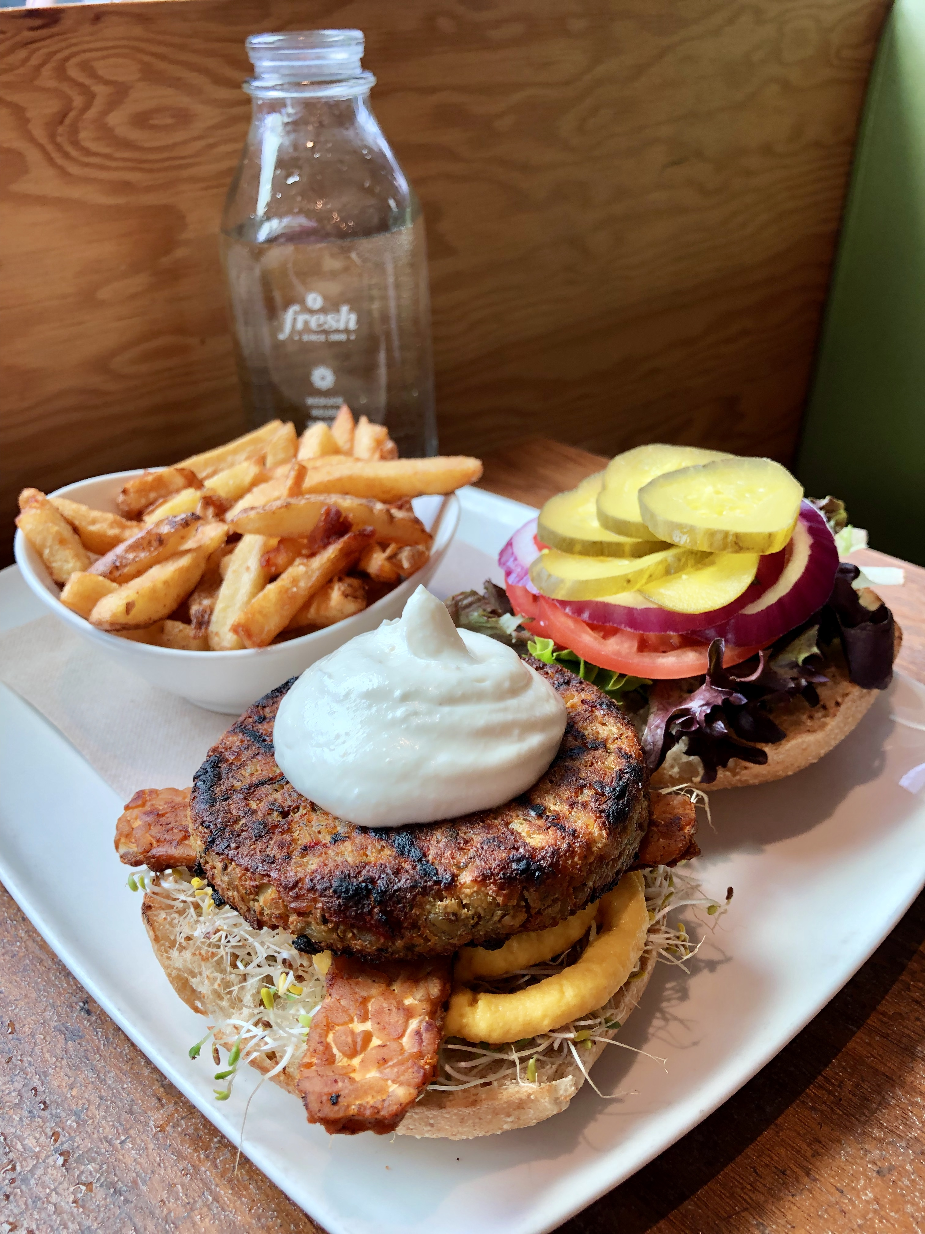Banquet Burger; Fresh